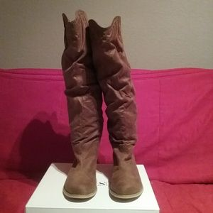Knee high boots - New!